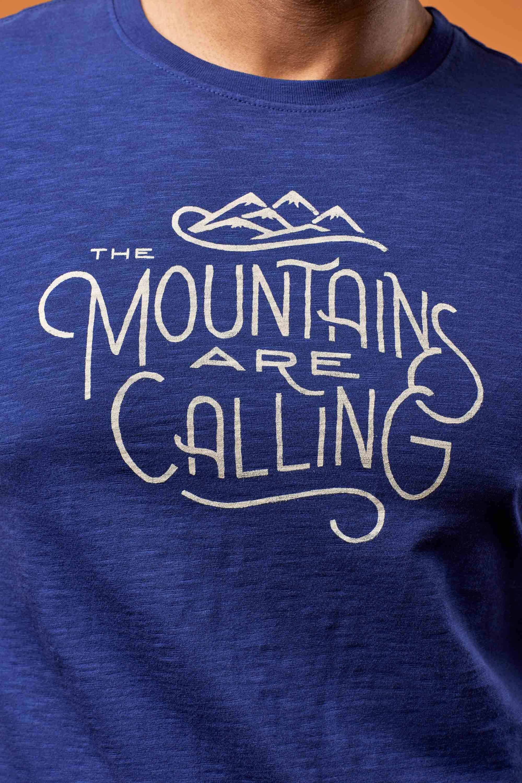 United By Blue Mountains Are Calling Maglietta a maniche corte Uomo, midnight  1061066 OwXZH